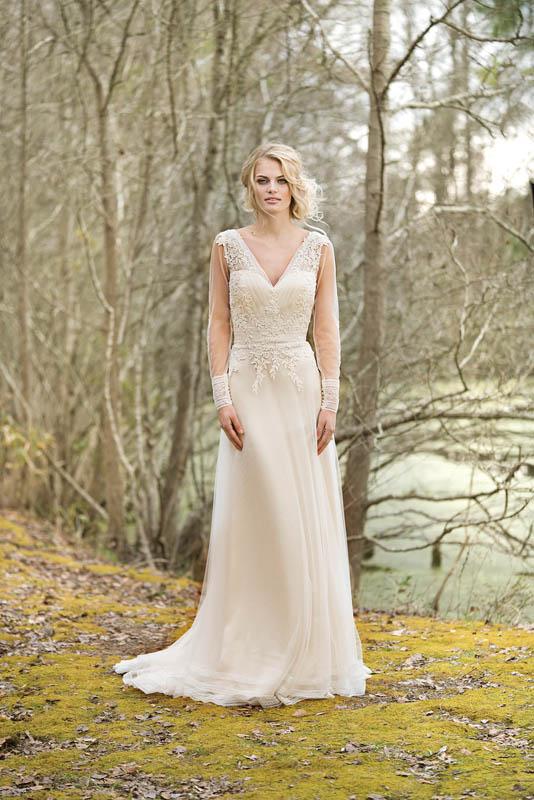 Divina Suknie Ślubne 2017 - Lillian West - Suknia 6453